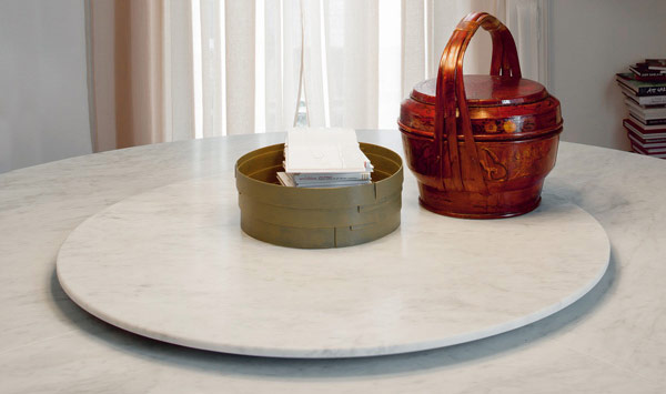 cattelan italia lazy susan table. Black Bedroom Furniture Sets. Home Design Ideas