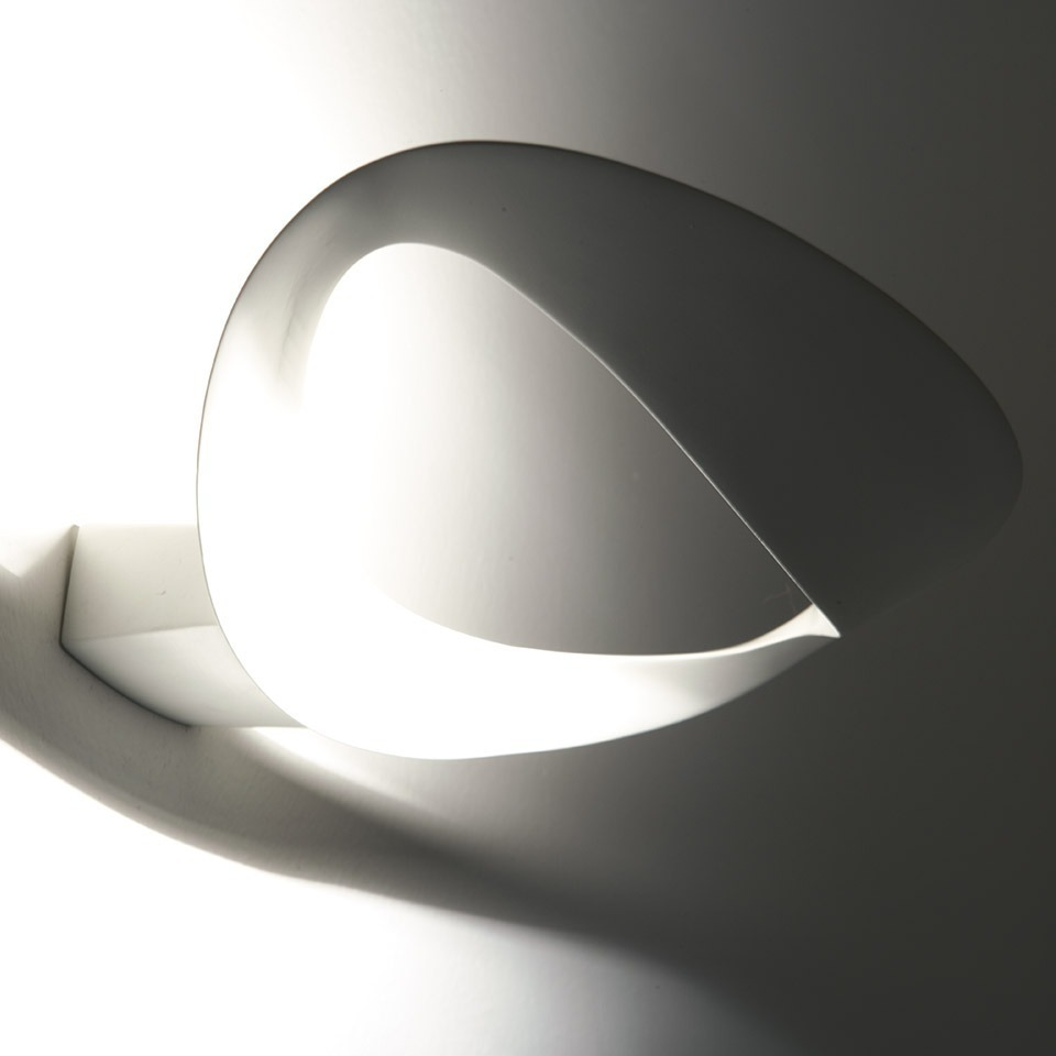 artemide mesmeri halo wall lamp. Black Bedroom Furniture Sets. Home Design Ideas