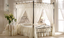 Target Point bed Nicole with canopy