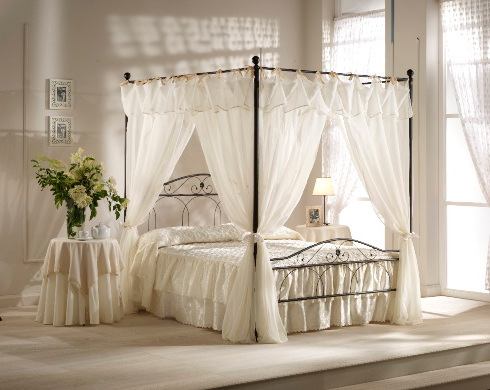 Point bed Nicole with canopy