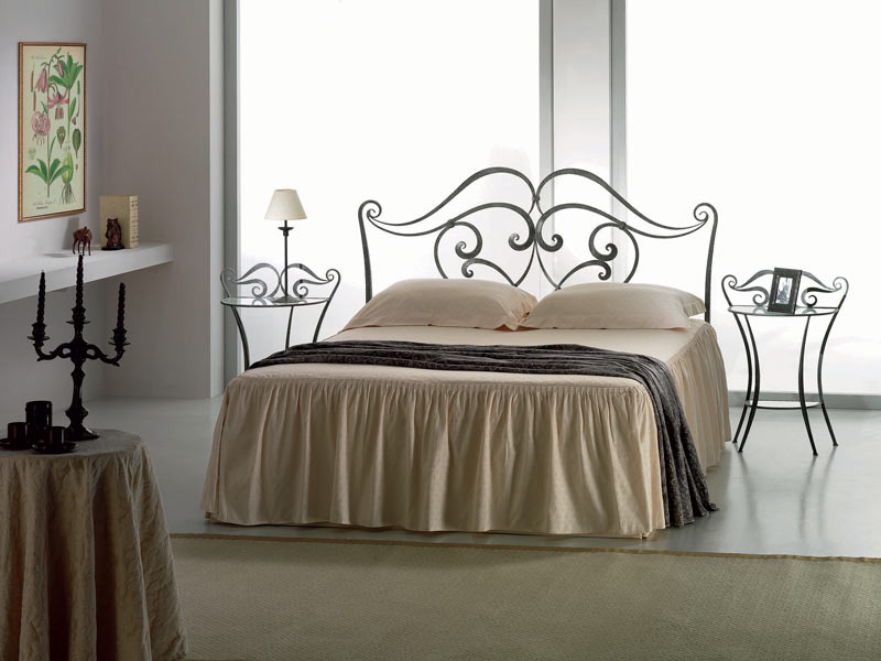 target point lit lilium avec cadre de lit sans pied de lit lits deux places. Black Bedroom Furniture Sets. Home Design Ideas
