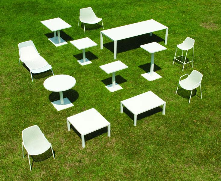 Emu round 476 tables de jardin - Table jardin emu rennes ...