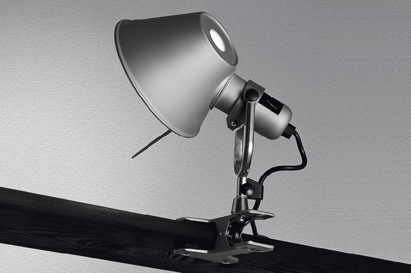 artemide tolomeo pinza led lampade da soffitto. Black Bedroom Furniture Sets. Home Design Ideas